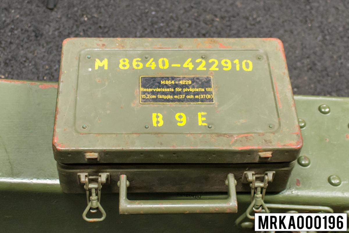 Reservdelslåda för pivåplatta som innehåller bla kula, o-ringar, fjädrar.