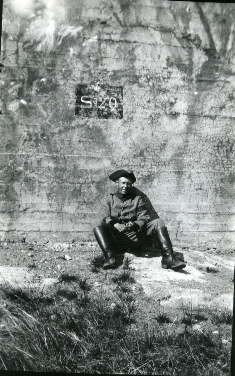 Suneson, furir, A 6, vid S 20 i Skillingaryd.