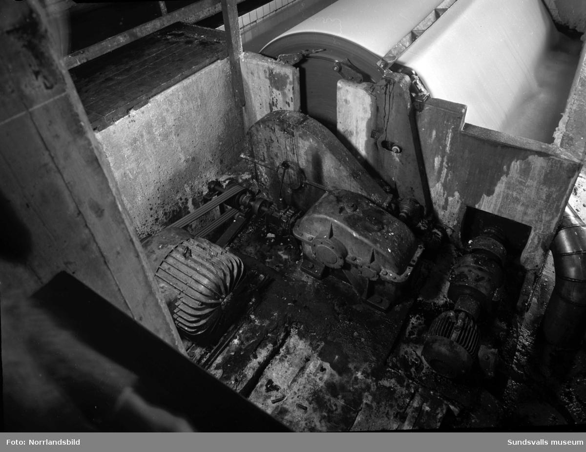 Maskiner i olika fabriker och verkstäder fotograferade åt Sundsvallsbolagen.