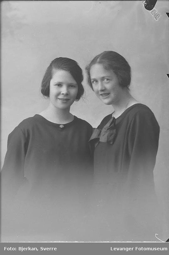 Portrett av Signe Bjerkan til venstre Portrett av Ingeborg Folkvord til høyre