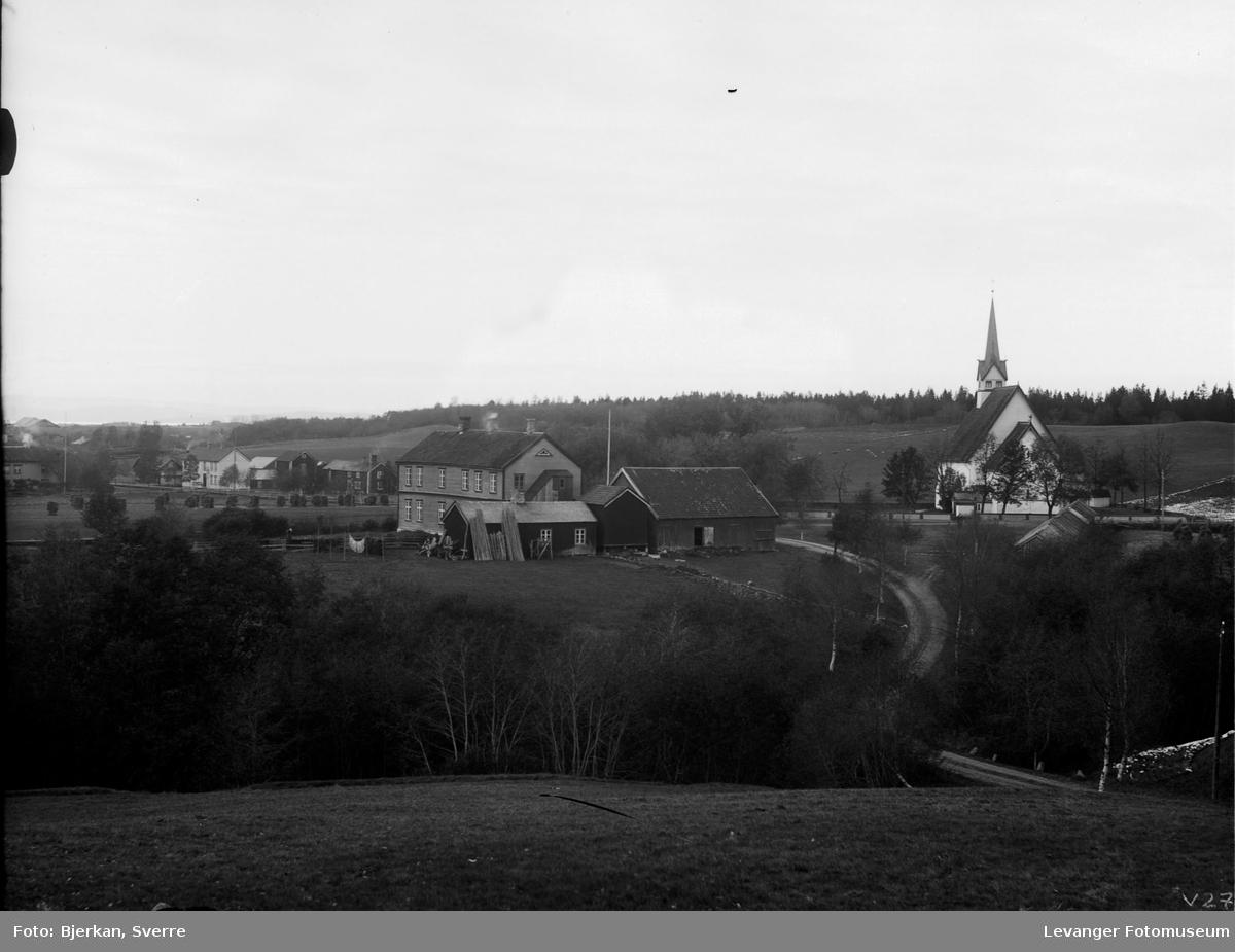 Stiklestad kirke og prestegården