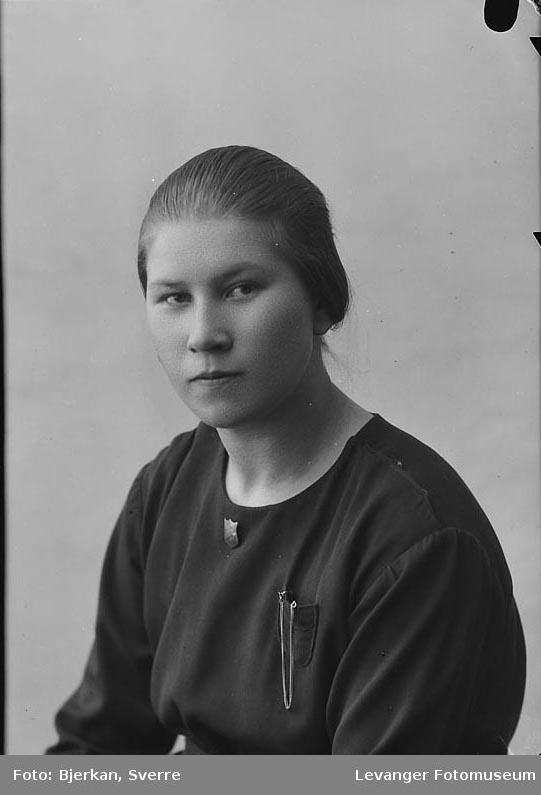 Portrett av Marie Eggen