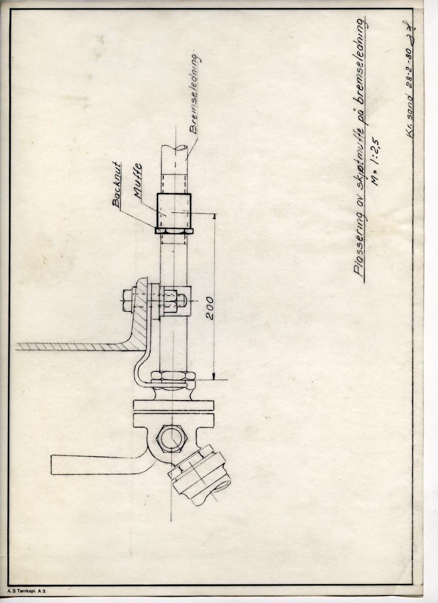 Håndtegnet arbeidstegning for plassering av skøtmuffe på bremseledning.