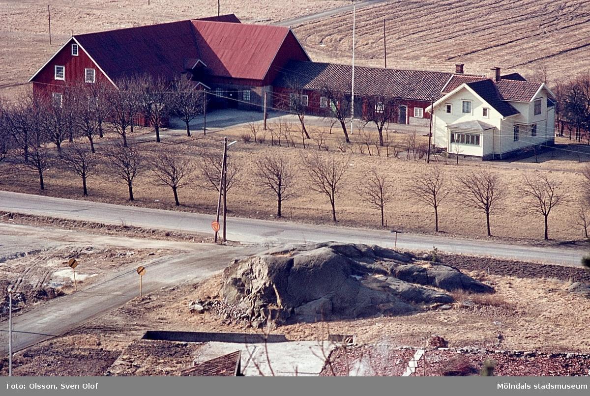 Bebyggelse på Sörgården 2 i Toltorp, Mölndal, år 1965.