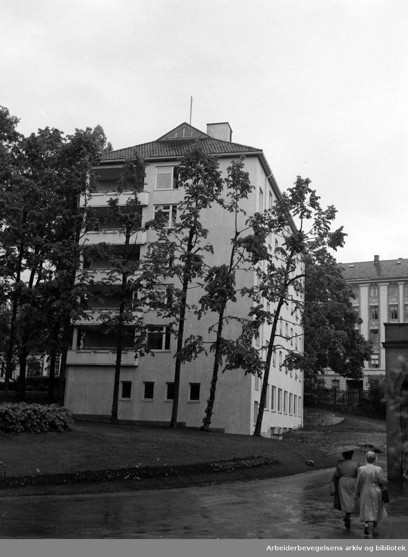 Røde Kors Søsterinternat åpnes. Juni 1953