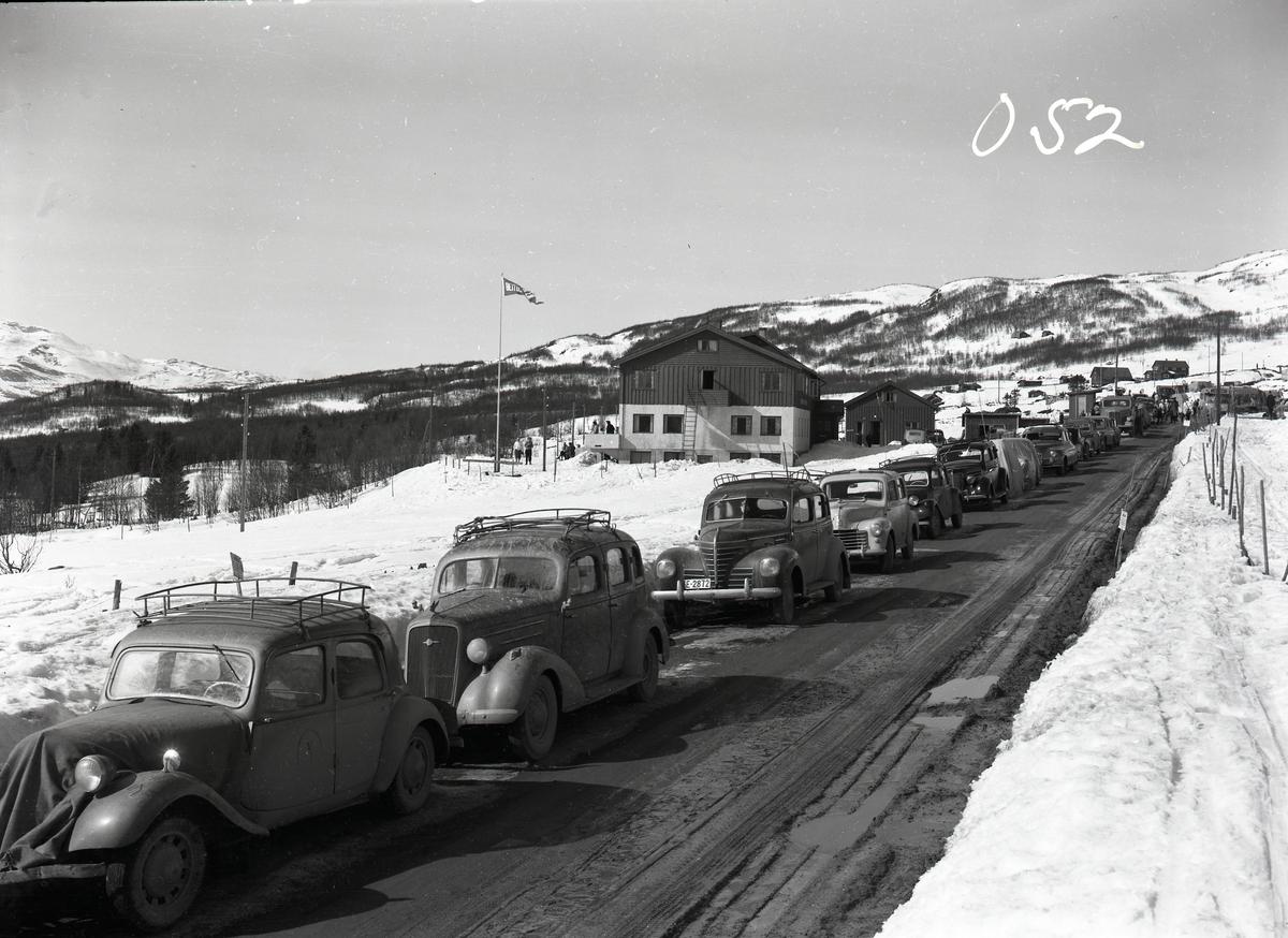Parkeringskø på Beitostølen, Øystre Slidre.