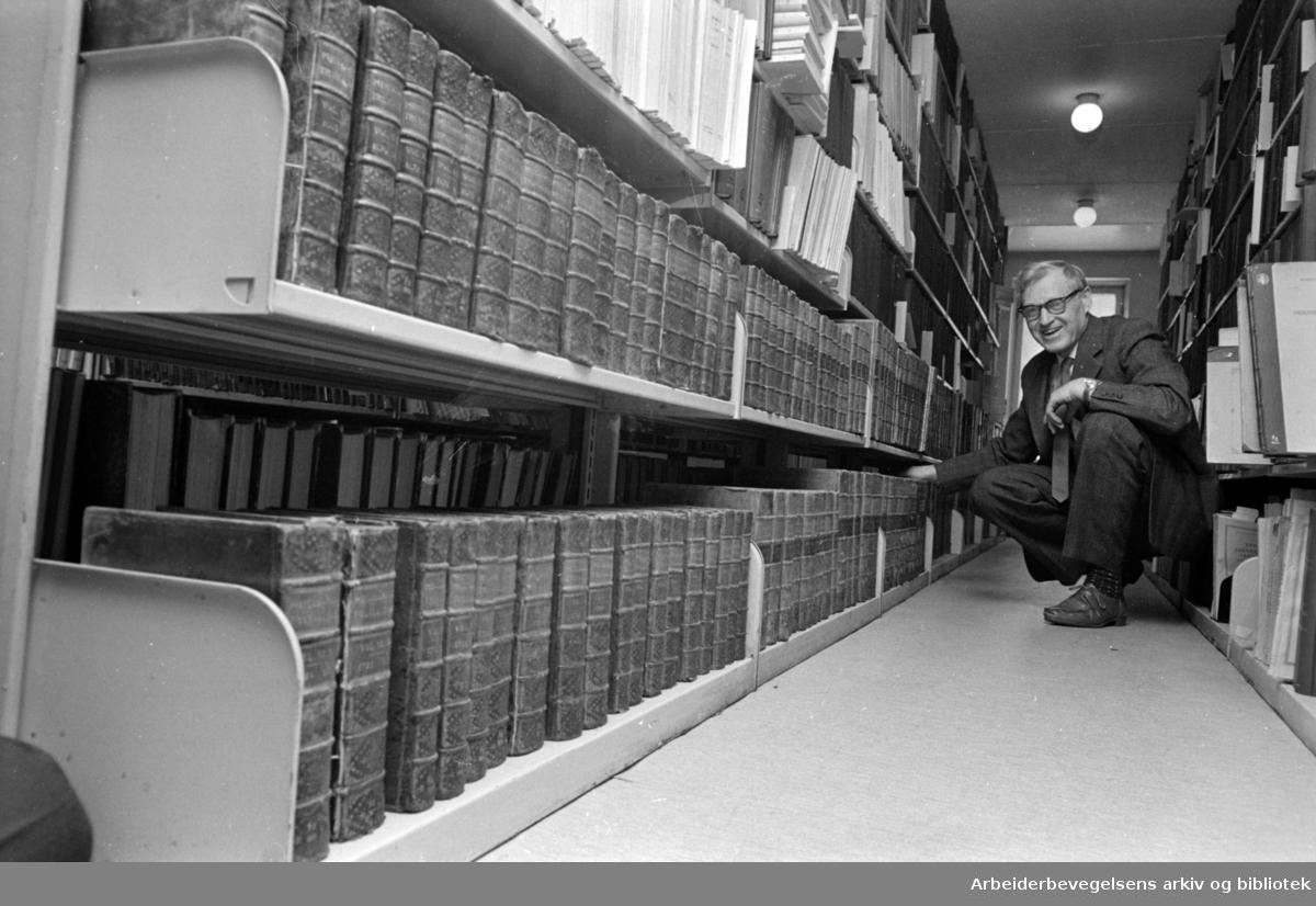 Universitetetsbiblioteket. Førstebibliotekar Peter Kleppa. Februar 1966