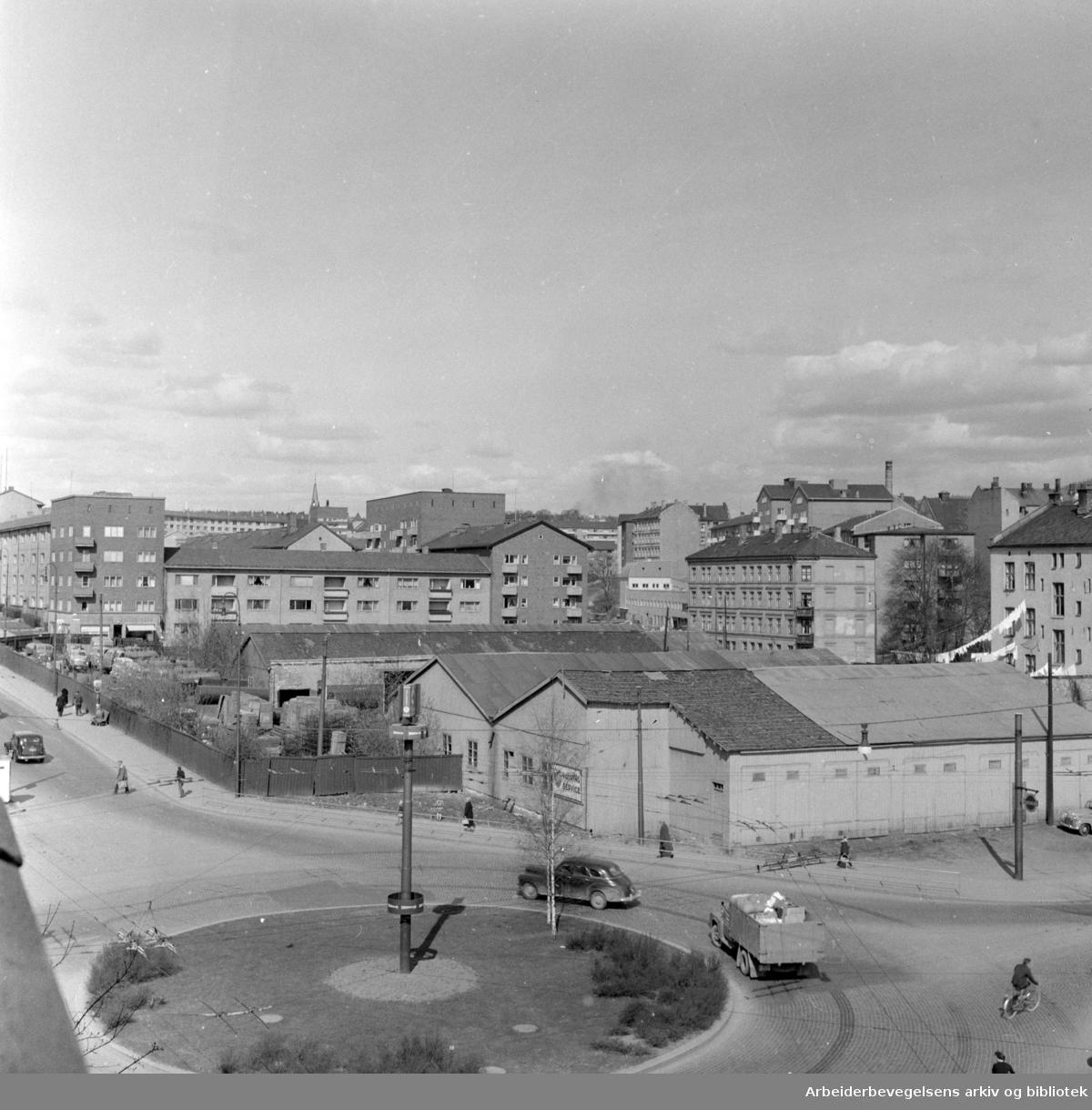 Waldemar Thranes gate 72. ved Alexander Kiellands plass. April 1959