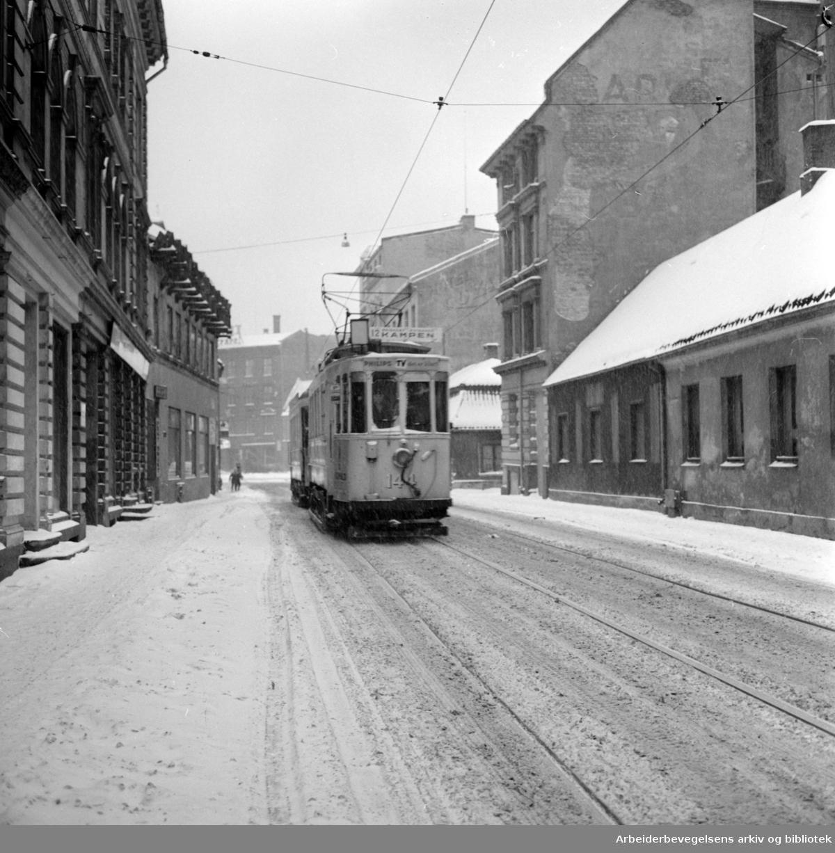Vaterland. Den siste Kampen-trikken i Vognmannsgata. Februar 1960