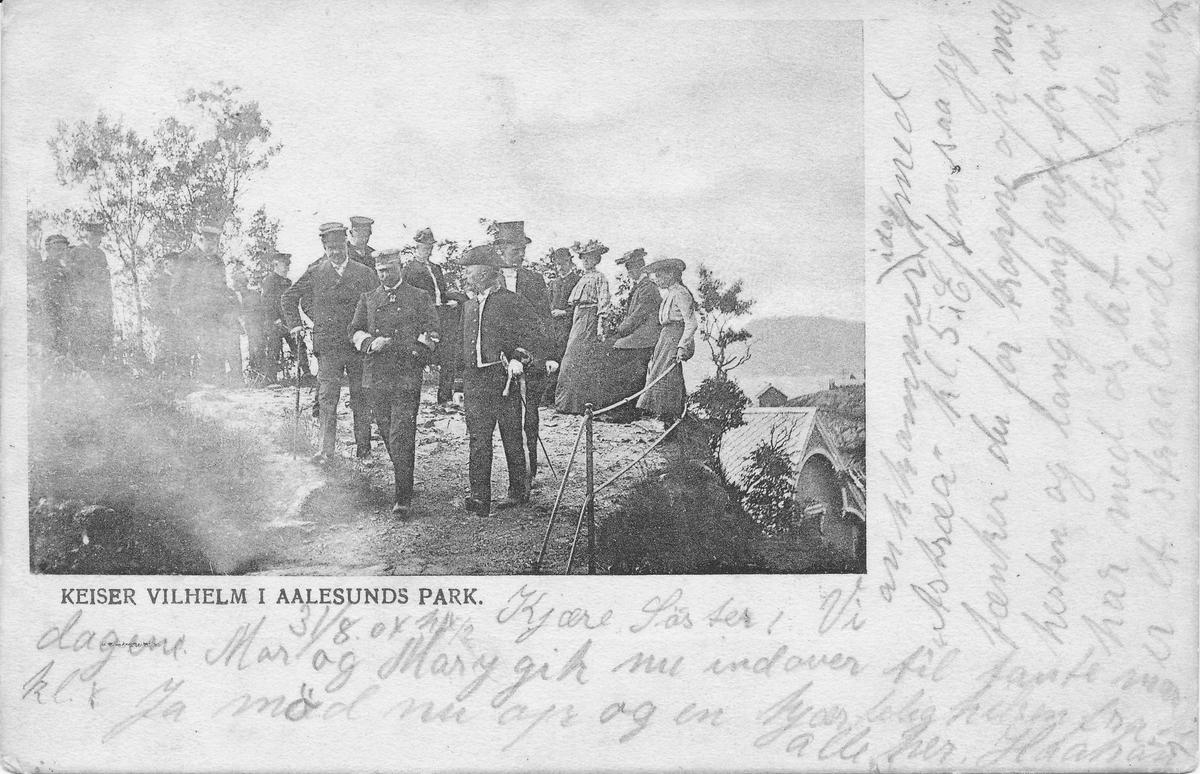 Keiser Wilhelm II ved avdukingen av Keiser Wilhelm-støtten i byparken.