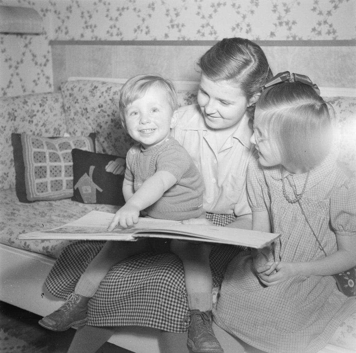 Professor Torgny Segerstedts barn, Uppsala, april 1949