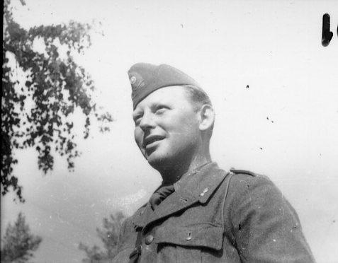 Sjöstrand, sergeant, A 6 reserv.