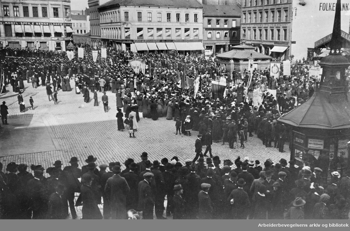 1. mai 1915 på Youngstorget i Oslo.