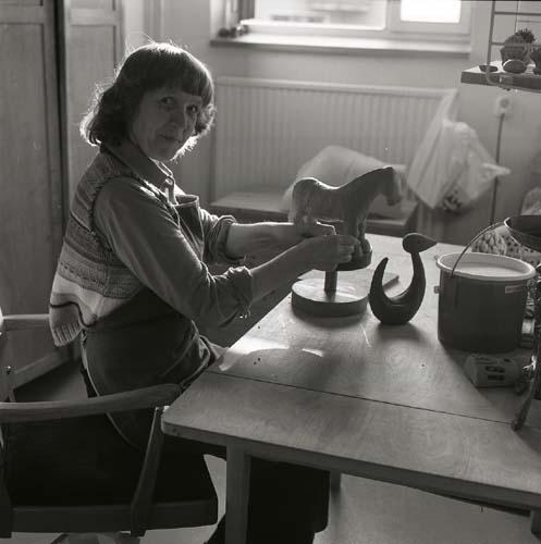 Keramiker Heléne Nordqvist 2 maj 1978 för ett reportage i Land.