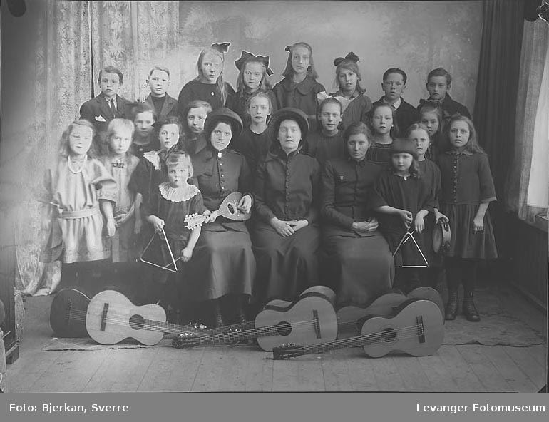 Gruppebilde av Frelsesarmeen's Barnegruppe
