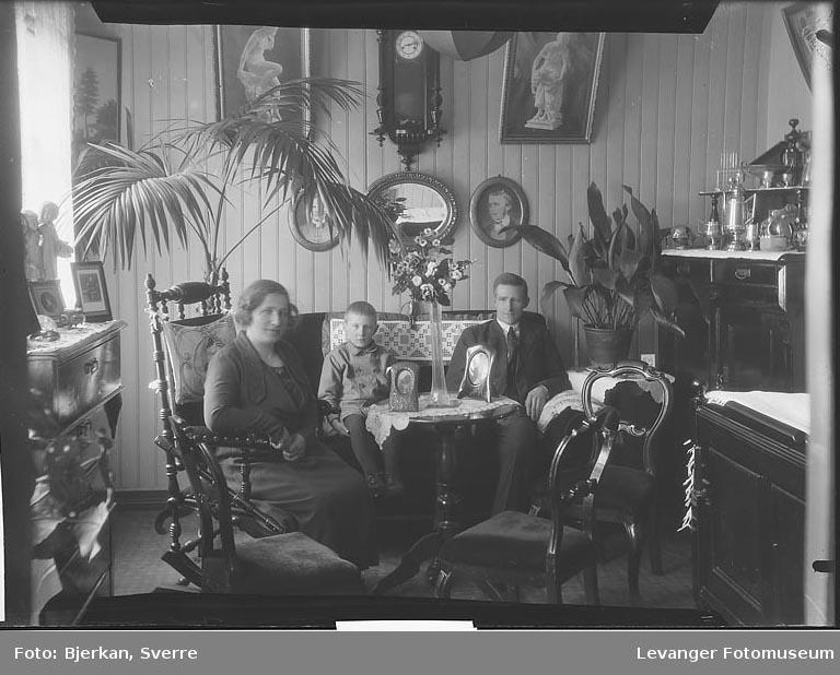 Familiebilde av hjemmet til familien Carlson navn ukjent