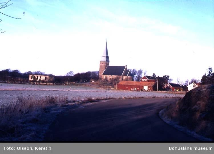"""Text på kortet: """"Lyse kyrka o ruin. Juli 1987""""."""