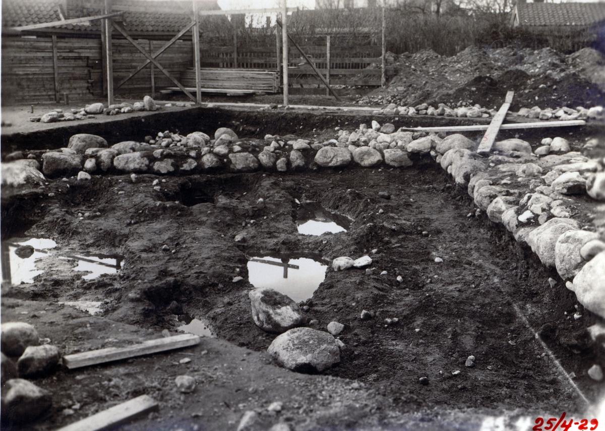25 april 1929. Arkeologisk utgrävning i kvarteret Kastanjen.