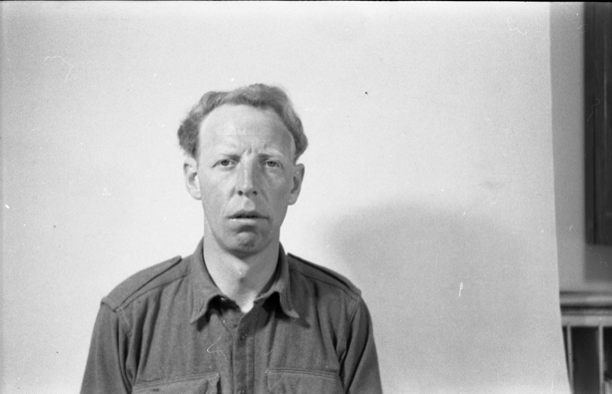 Ragnar Mo - Portrett juni 1952. Han var befal ved Hærens Hesteskole, Starum
