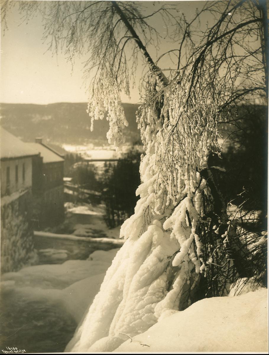 Lillehammer, Mesnaelva. Antakelig Brofoss og Lillehammer møller. (Se bilde nr 16099)