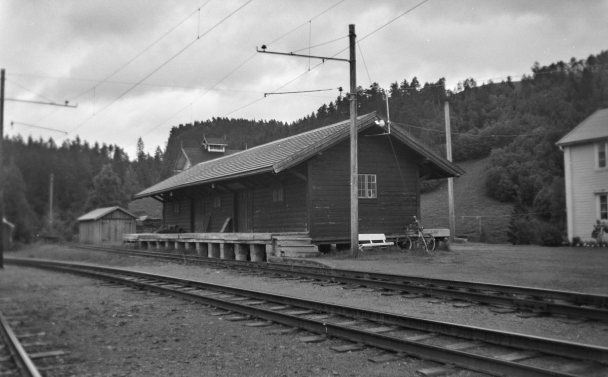Godshuset på Svorkmo stasjon på Thamshavnbanen.