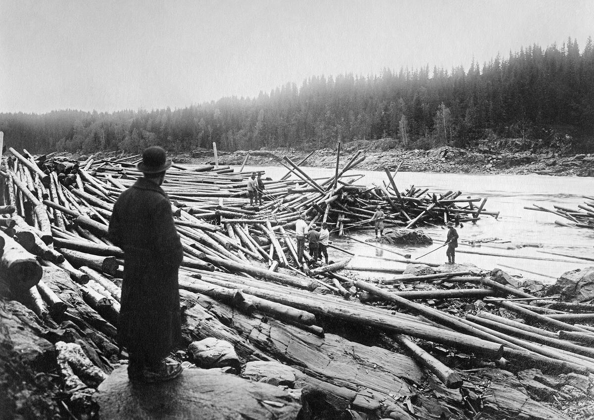 Tømmerfløtere Rudsfossen i Askim.