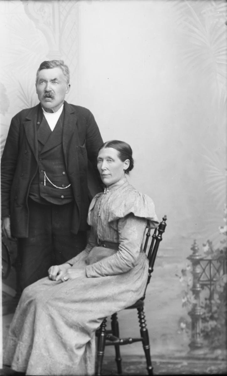Portrett av F. Strand med kone