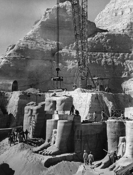 Demonteringen av statuene i Abu Simbel-tempelet. (Foto/Photo)