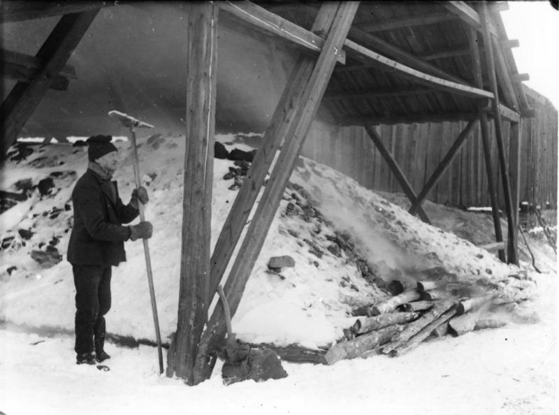 Kaldrøsting på Malmplassen.