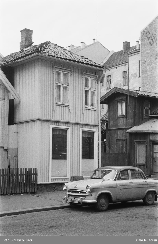 trehusbebyggelse, gjerde, bil, bygårder
