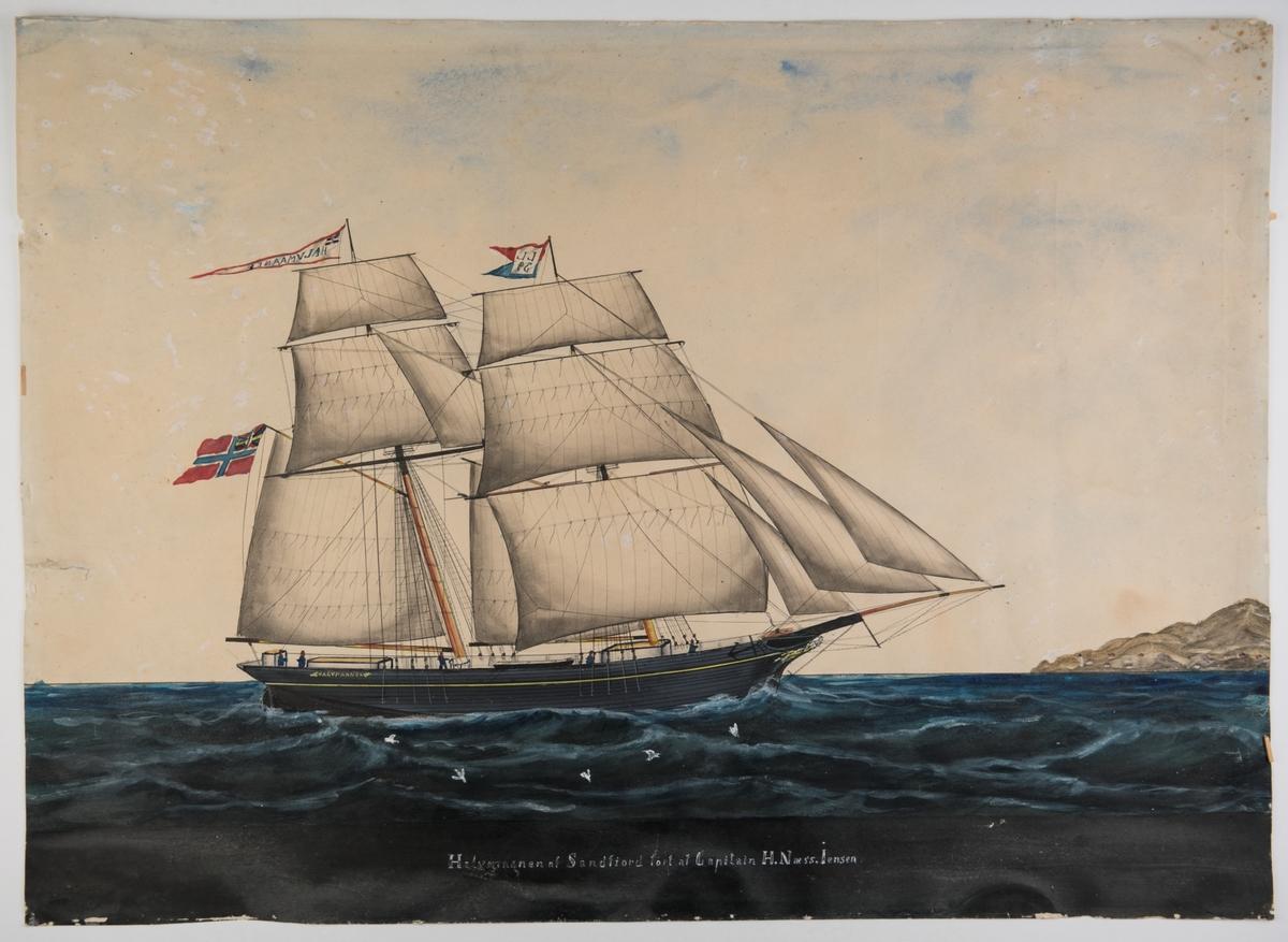 Brigg 'Halvmaanen' af Sandefiord Unionsflagg og navnevimpel. Fortoppen LL og 39 under