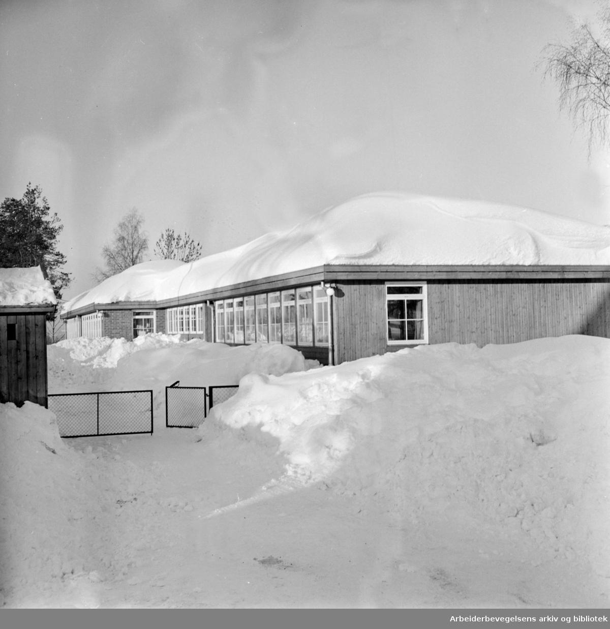 Bogerud. Bogerudsletta daghjem åpnet. Februar 1966
