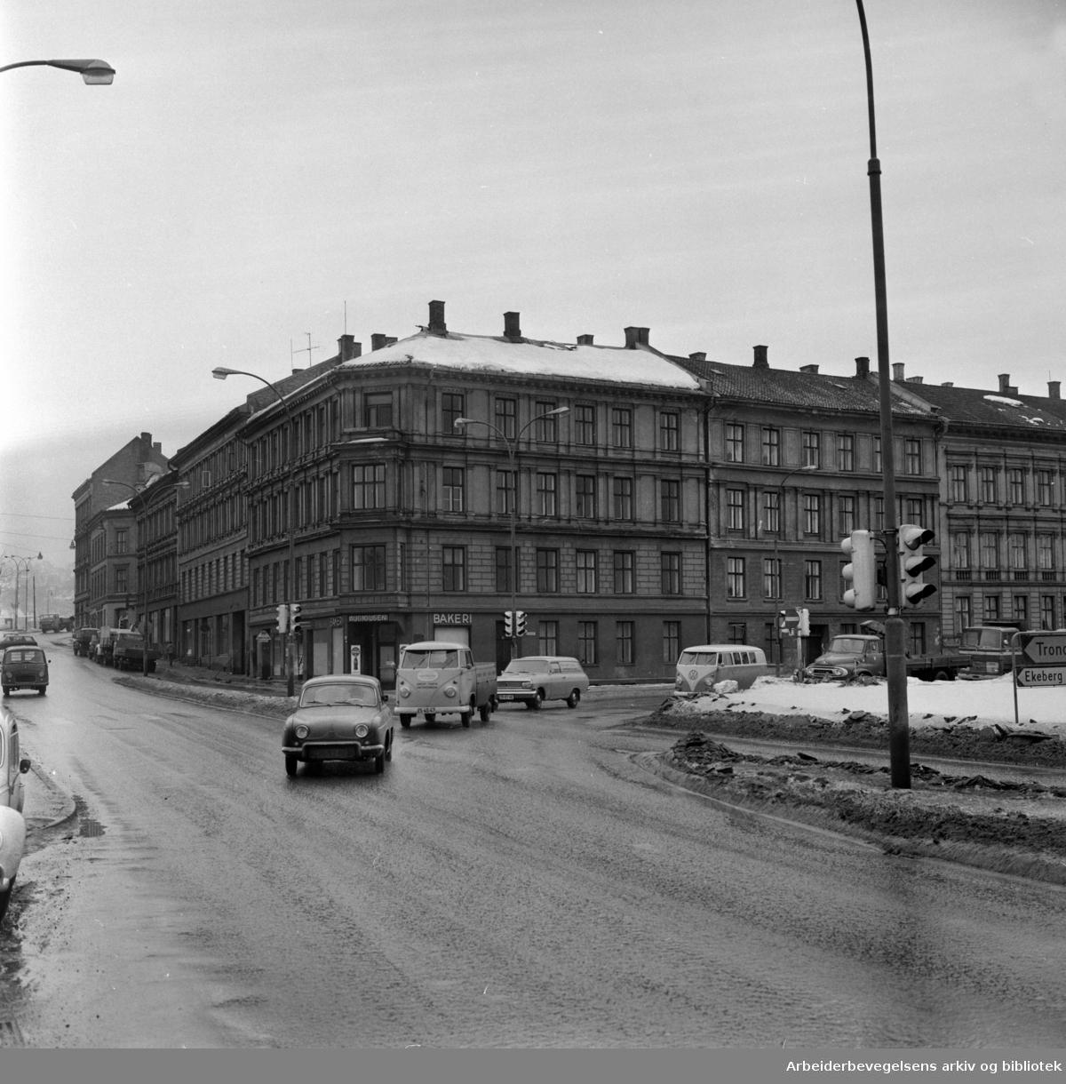 Bispegata nr. 2, 4 og 6. skal saneres. Februar 1967
