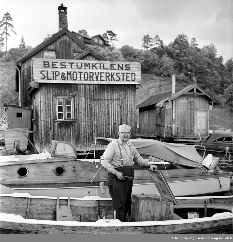 Bestum. Bestumkilens slip og motorverksted. Trygve Nordvold. Juni 1963