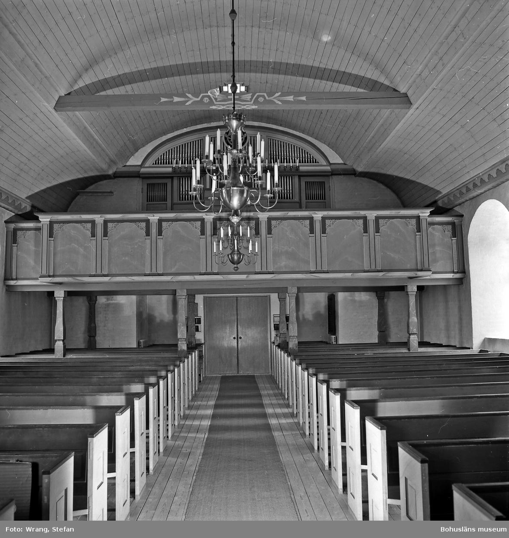 """Text till bilden: """"Lommelands kyrka. Interiör mot nordväst""""."""