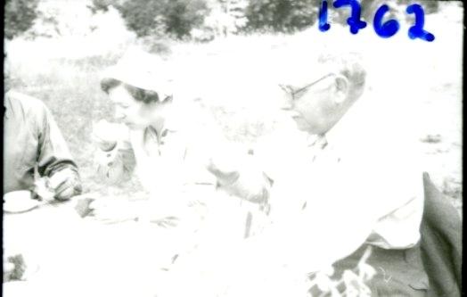 Försvarsstabens fotoavdelning i Gnesta. Namn se notering.