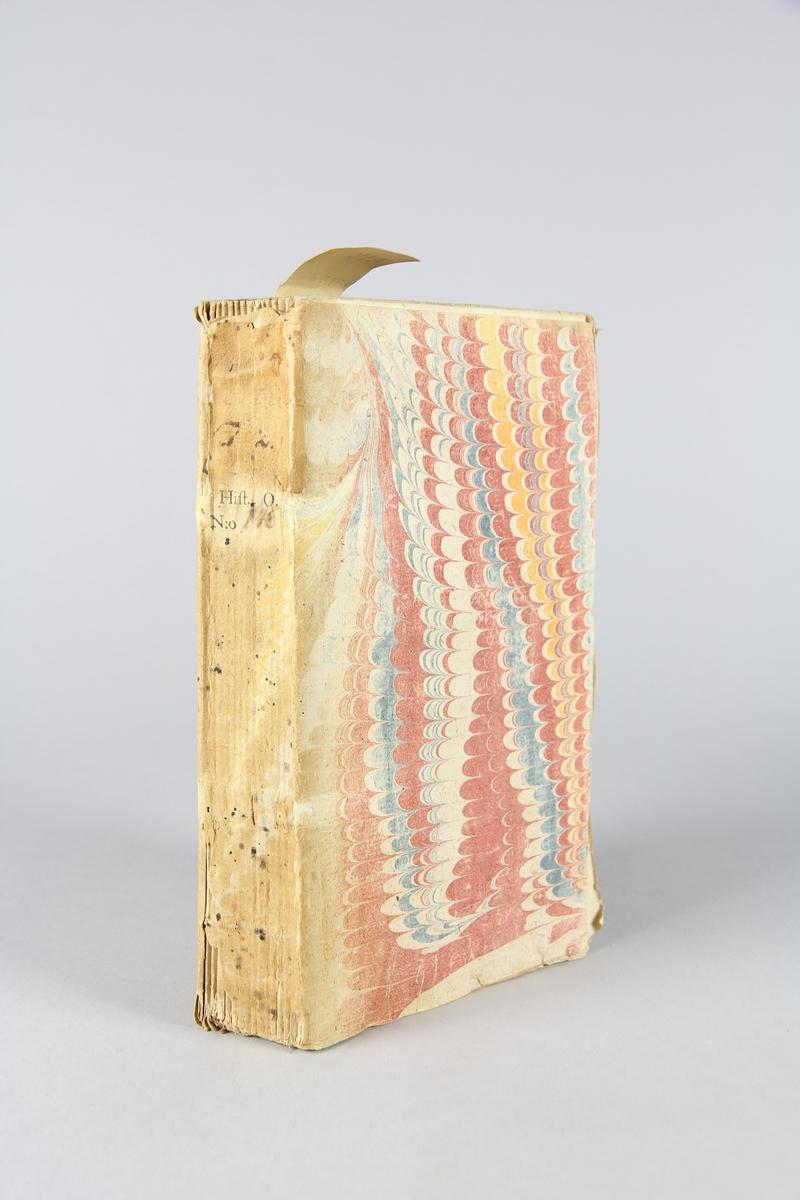 """Bok, häftad, """"Mémoires de monsieur de la Colonie"""", del 2. Pärm av marmorerat papper, oskurna snitt. Blekt rygg."""