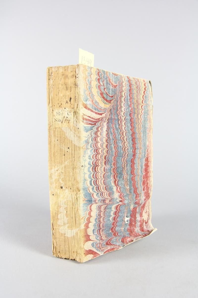 """Bok, pappband, """"Histoire du seizieme siécle"""", del 2, tryckt 1734 i Haag. Marmorerade pärmar, blekt rygg med etikett med titel, närmast utplånad, samt volymens samlingsnummer. Oskuret snitt, ej uppsprättad."""