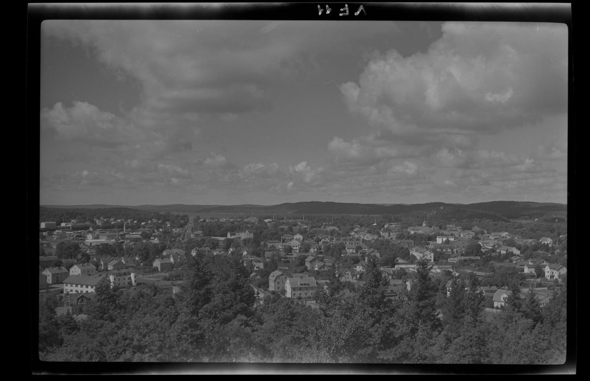 Utsikt mot norr över Alingsås från Häradsberget. September 1944.
