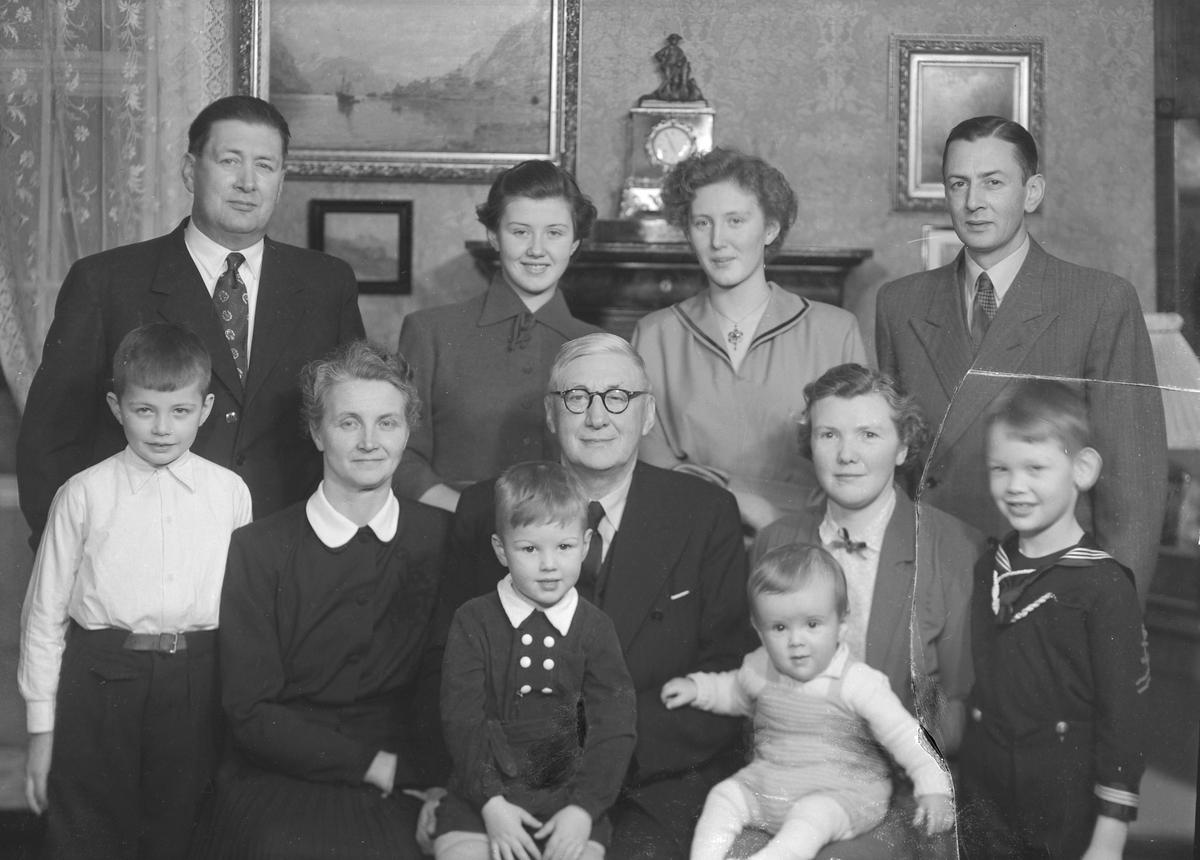 Apoteker Einar Olaf Heyeraas med familie