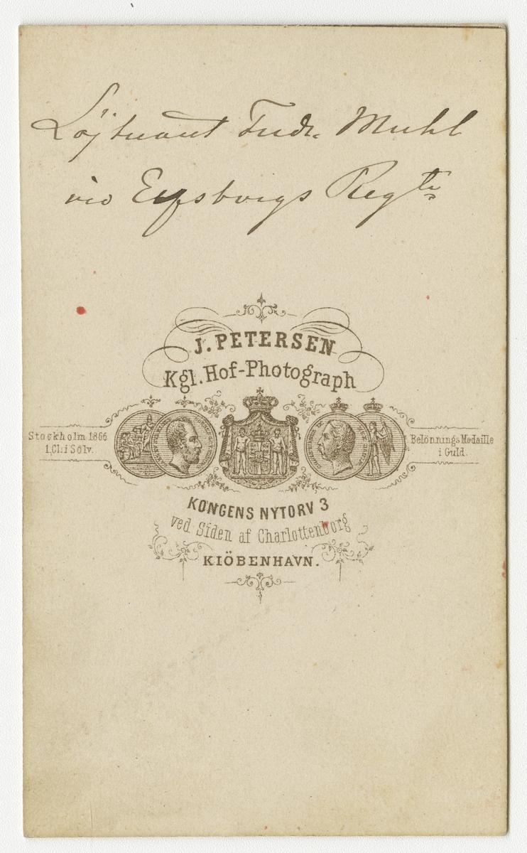 Porträtt av Conrad Fredrik Muhl, officer vid Älvsborgs regemente I 15. Se även bild AMA.0021676.