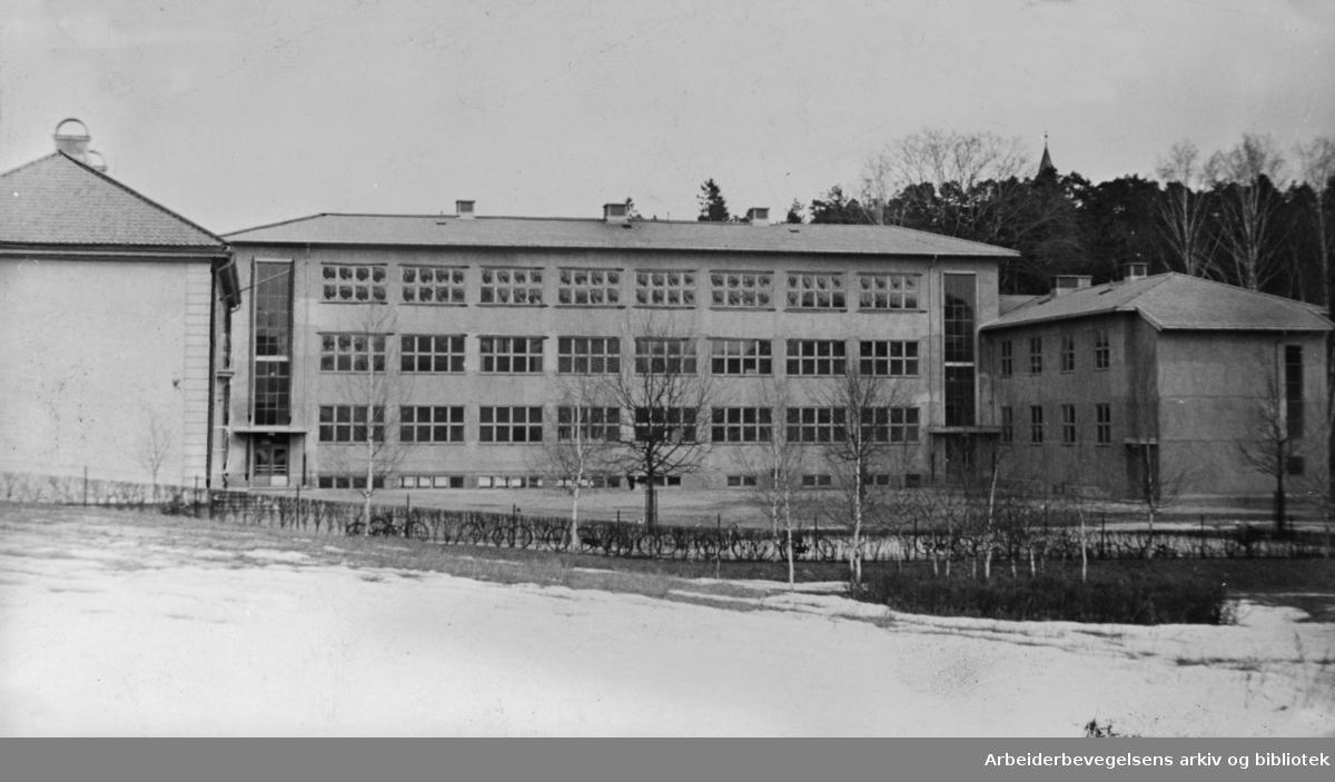 Bygdøy folkeskole og middelskole. Mars 1939