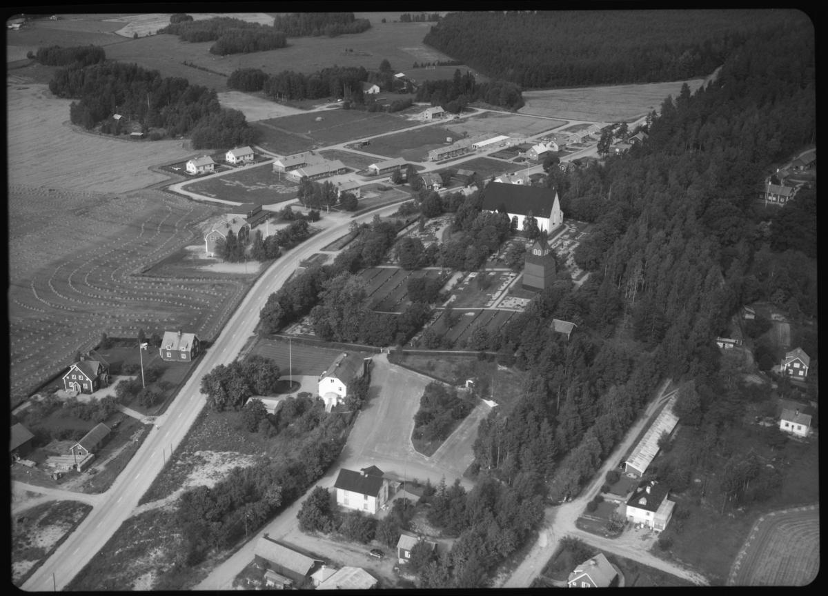 Flygfoto över Möklinta. Tagen 1963 av AB Flygtrafik Dals Långed.