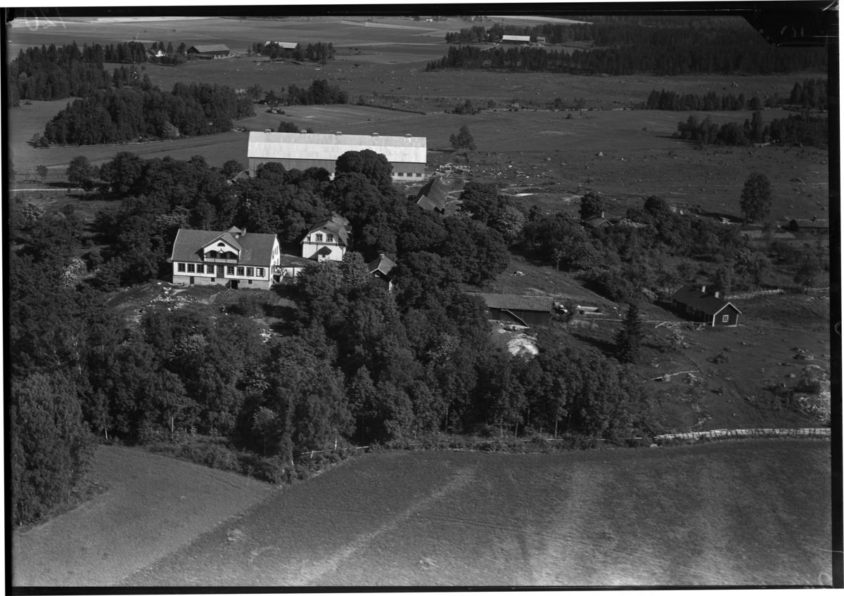 Flygbild över Hallstabergs gård, Hallstaberg. Tagen av Ahrenbergsflyg.