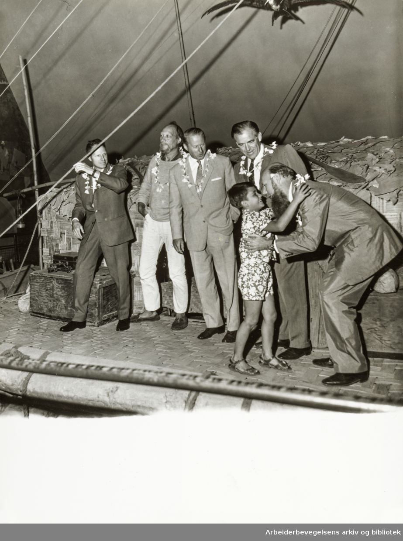 Bygdøy, Kon-Tiki-museet. Fra venstre: Knut Haugland, Herman Watzinger, Thor Heyerdal, Bengt Danielsson og Erik Hesselberg. August 1967
