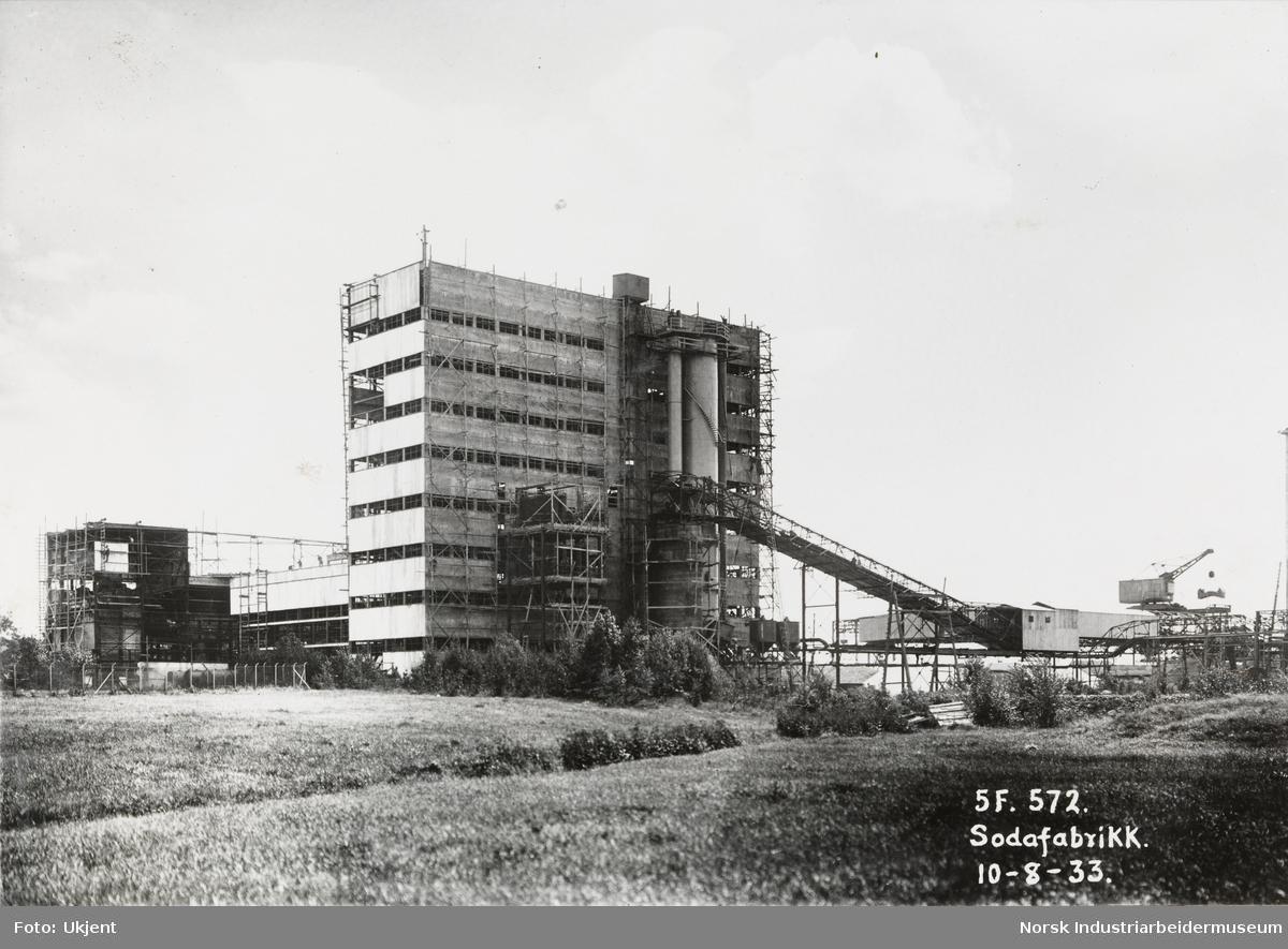 Sodafabrikk, bekledning