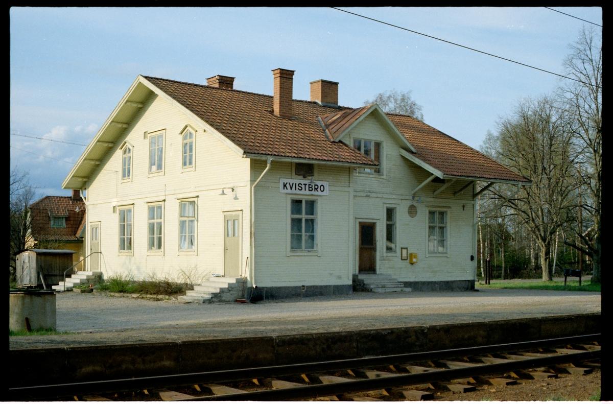 Kvistbro station.