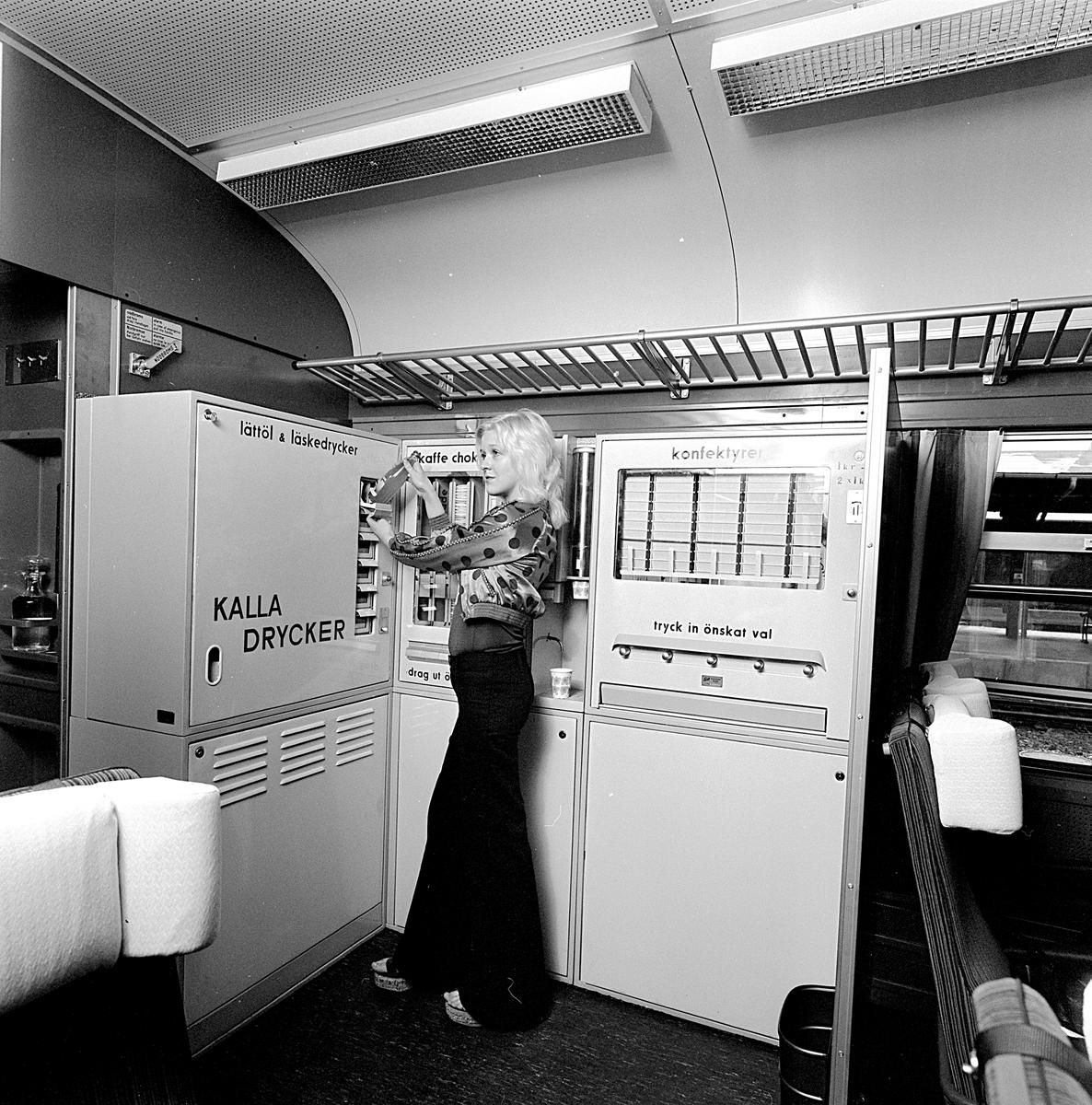 Vid automaten: fröken Solweig Edholm, Bandhagen