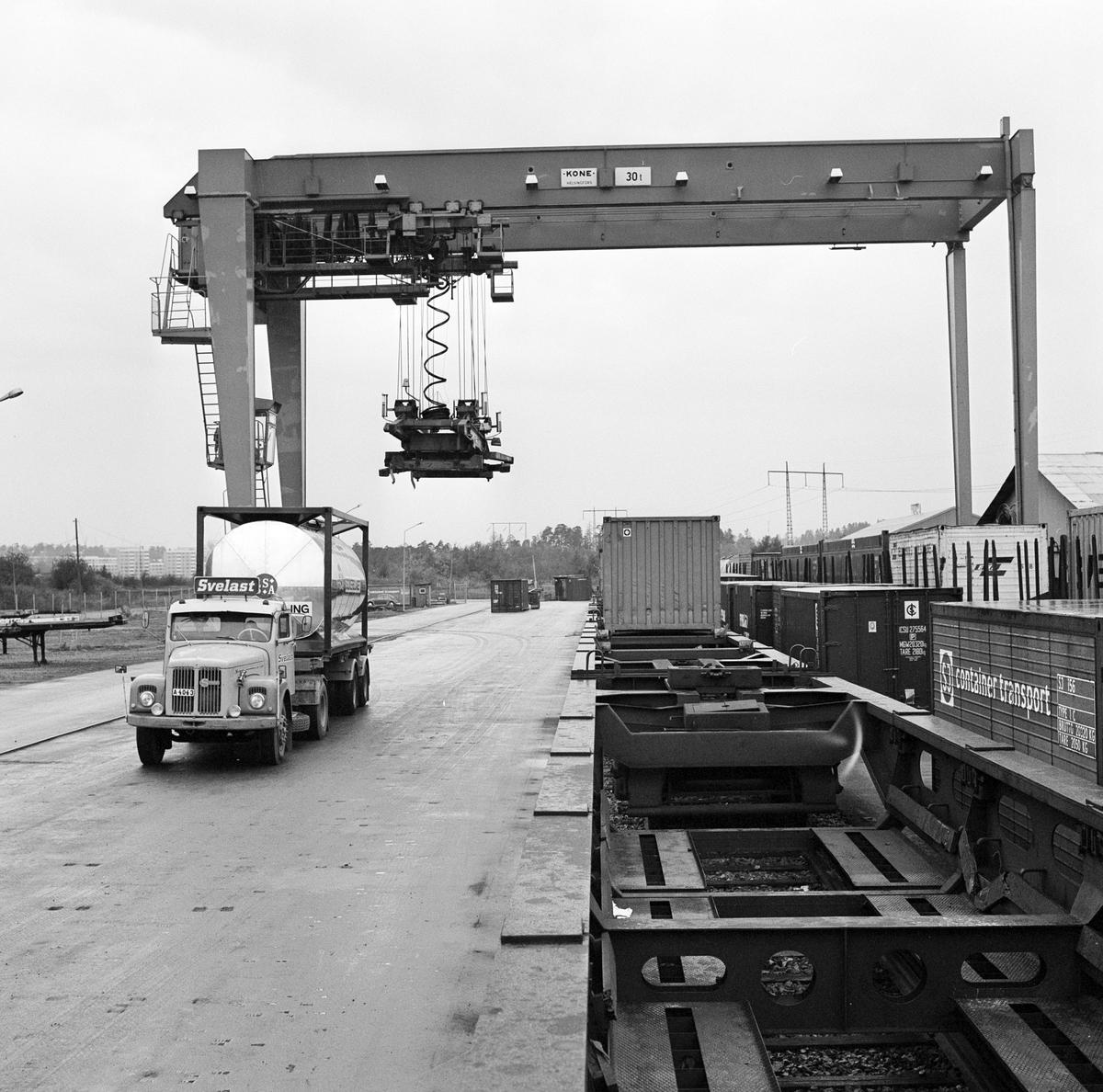 Solnaterminalen. Containertransport