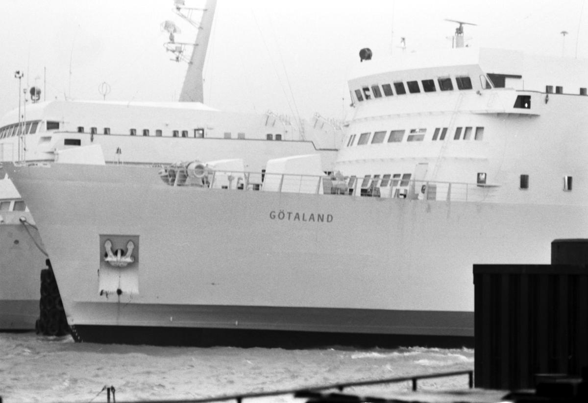Tågfärjan M/S Götaland. Byggdes av A/S Nakskov Skibsværft, Nakskov, Danmark. Systerfartyg M/S Svealand. Levererades 1973-04-18 till Statens Järnvägar, SJ, Trelleborg för att trafikera leden Trelleborg - Sassnitz